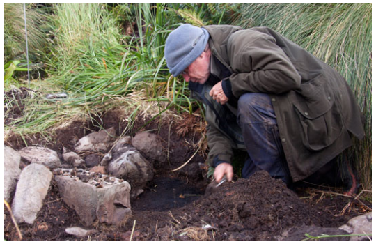 Discovery of historic sod hut, Campbell Island Bicentennary Expedition